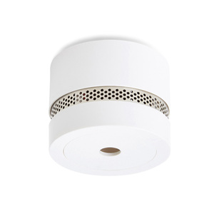 Eye-catchingly small smoke alarm in a stylish design. Optical / photoelectric detection technology to detect smoke. The smoke alarm has a built-in 3V lithium battery with a lifespan of 10 years. User manual is available in Swedish, English, and Finnish. The smoke alarm can be used in several places, e.g. in caravan, cottages or boat. Quick installation with 3M double-sided tape or with screws (included). Download the product sheet for technical information.