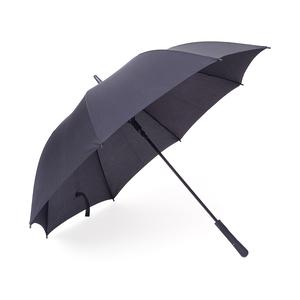 Ett 8-panels paraply i stor citymodell,kraftigt svart stålskaft och med en mekanism som är extra tålig och exklusiv. Automatisk uppfällning och med tippar och toppar i svart plast, rakt gummerathandtag för rätt känsla .Levereras i ett fodral med axelbärrem.