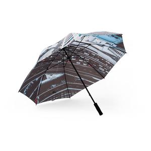 Skapa unika paraplyer med digital teknik från 120 st. Priset inkluderar valfritt fotomotiv på golfparaplyet Mine, med enkelt panellager. Paraplyet kan även tillverkas med dubbla paneler.  Lev.tid ca 12-14 veckor efter godkänt prov. Minsta orderantal 120st. (Underupplagetillägg för order under 120st är inte möjlig på denna produkt) Önskar du offert, paneler tillverkade i återvunnen polyester, sk. R-PET eller vill du ha hjälp med skissförslag - hör av dig!