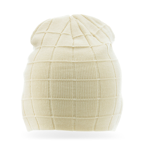 Checkered hat in heavy double knitting. Now on sale!