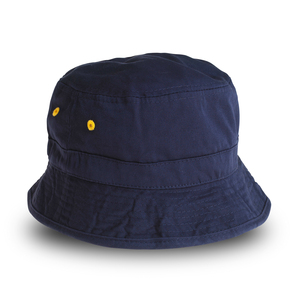 One of the trendiest hats in the summer of 2020. Popular sun hat model, the Bucket hat. Here in navy blue with yellow details, such as internal brim and air holes.