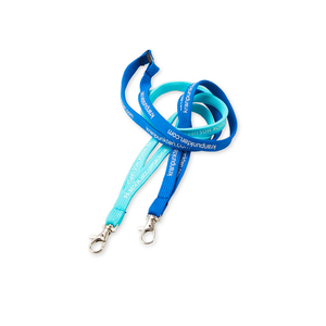 Popular lanyard in tube-woven knitting. 900 mm long x 10 mm wide. It is also available in 12 and 15 mm widths. Optional PMS on the band at no extra cost. Repeated 1-color print, snap hook and safety buckle included. Minimum order quantity: 100 pcs. If extra printing color is desired, 0.80 SEK / color will be added. Film charge 740 SEK / color (Recommended price).